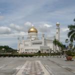 美観なジャメアサール・ハサニル・ボルキア・モスク(通称:新モスク)