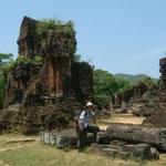 世界遺産のミーソン遺跡ツアーに参加