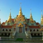 Thong Chai Mountainの美しいタン・サイ寺院(Wat Tang Sai)