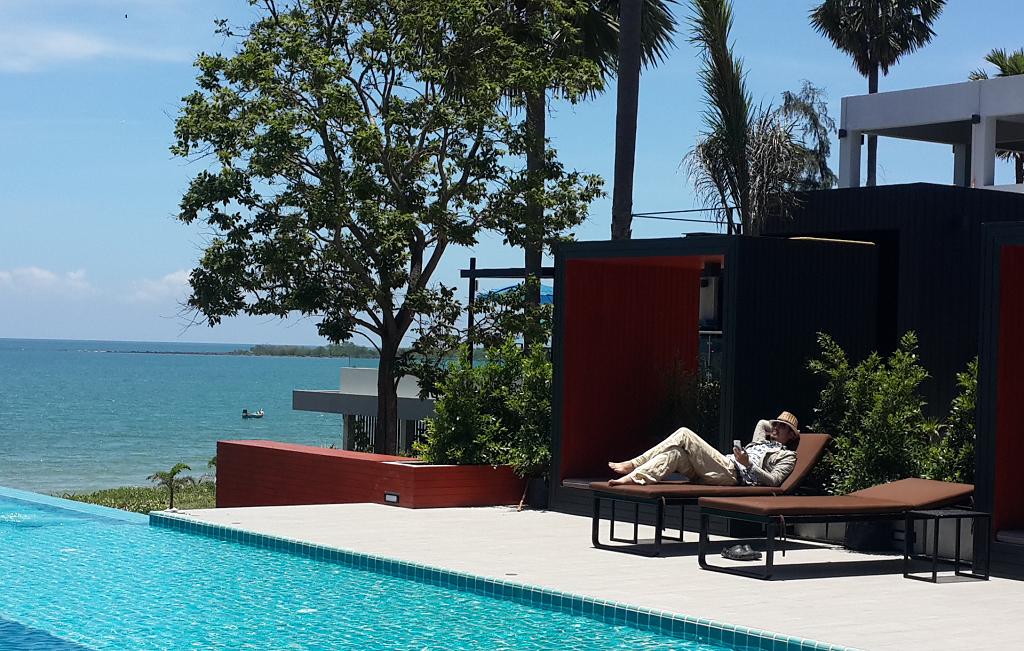 bankrut_relaxing