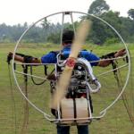 タイで頻繁に事故が起きているパラモーター(モーター付きパラグライダー)