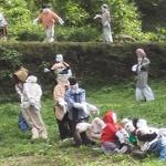 桜滝への行き方(慈恩の滝から車で約8分)奇妙なカカシの村!?